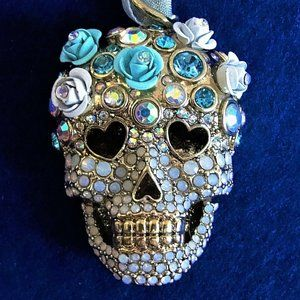 SKULL Flowers Betsey Johnson Opalescent Necklace